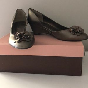 Bandolino bronze wedges